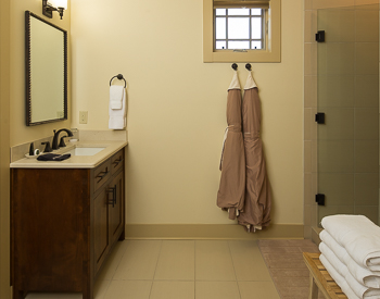 Picture of the bathroom.