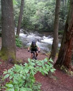 HR-WoodysMtB Biker-Chatt-River