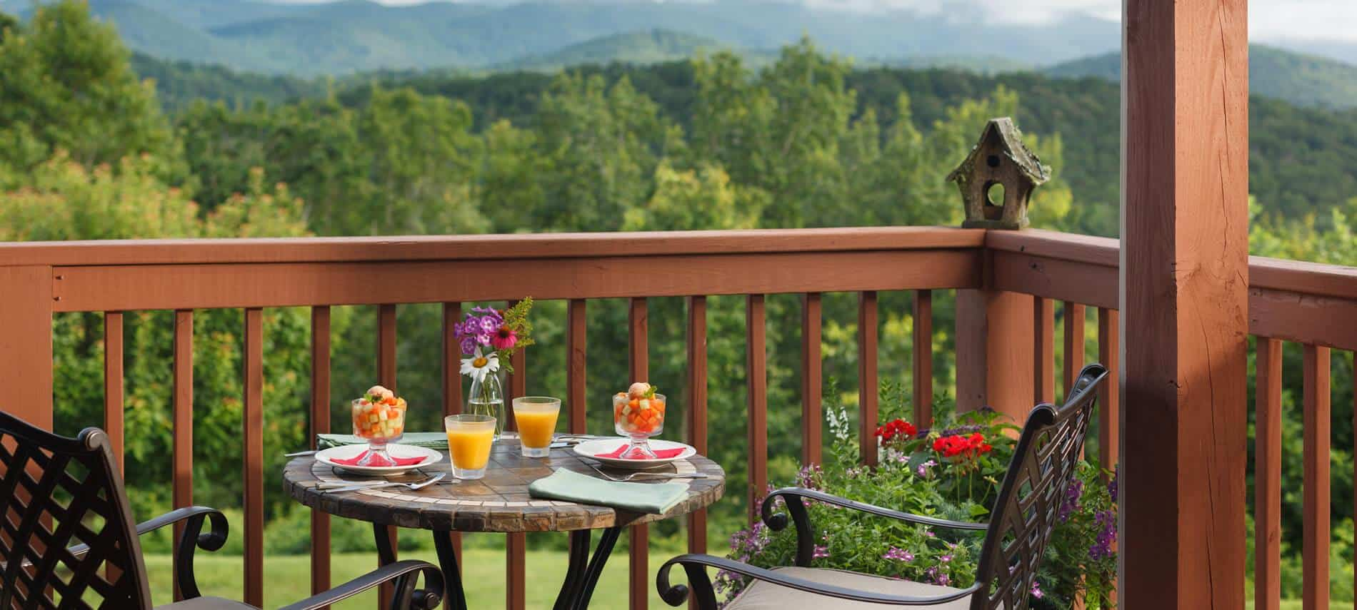 Lucille\'s Mountaintop Inn & Spa: A Georgia Bed and Breakfast